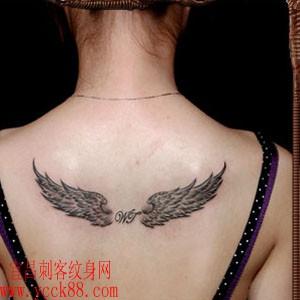 翅膀纹身图片
